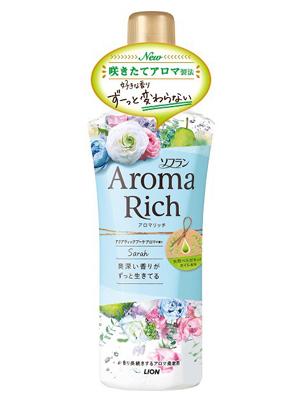Lion Aroma Rich Sarah : Кондиционер для белья с ароматом цветов и груши, 520 мл.