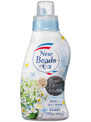 """Kao New Beads Pure Craft : Мягкий гель для стирки белья """"Травяной фреш"""", с ароматом ландыша и ромашки, бутылка с колпачком-дозатором, 780 г."""