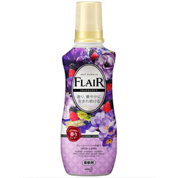"""Kao """"Flare Fragrance Dressy & Berry"""" : Кондиционер-смягчитель для белья с ароматом цветов и ягод 570 мл."""