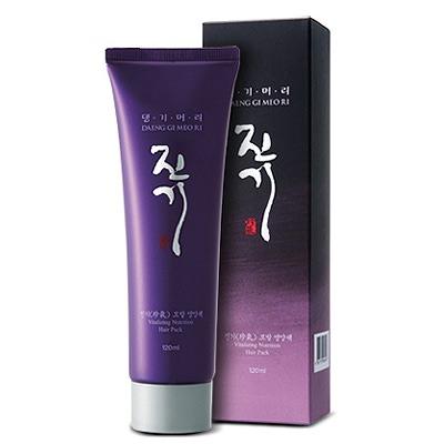Doori Cosmetics Daeng Gi Meo Ri Vitalizing Treatment Hair Pack : Виталайзинг питающая маска для волос. Восстанавливающая. Интенсивное питание и увлажнение, укрепляет корни волос, способствует их росту. С растительными экстрактами и кератином. 120 мл.