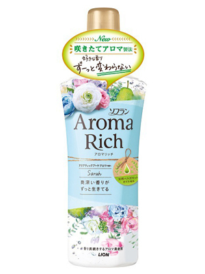Lion Aroma Rich Sophia : Кондиционер для белья с женственным цветочным ароматом, 600 мл.