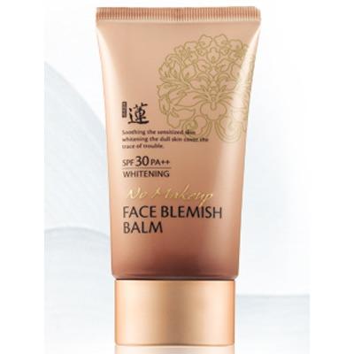 Welcos Lotus No-Make Up BB Cream Face Blemish Balm Whitening : Лёгкий и невидимый ББ крем двойного действия, эффективно скрывающий несовершенства кожи. Матирующий. С лёгким отбеливающим эффектом. 50 мл.