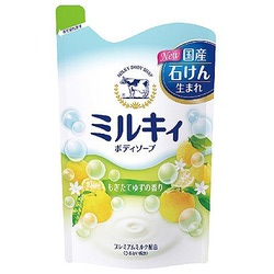 Cow Brand «Milky Body Soap» : Жидкое пенное мыло для тела c керамидами и молочными протеинами, с цитрусовым ароматом, 400 мл.