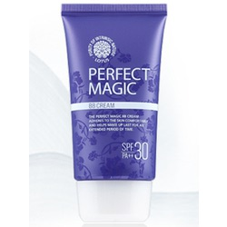 Welcos Lotus BB Cream Perfect Magic : Многофункциональный ББ крем с выравнивающим и матирующим действием (без эффекта маски) идеально подстраивающийся под особенности кожи лица. Бережно увлажняющий и смягчающий. 50 мл.