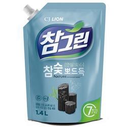 """CJ Lion Chamgreen : """"Древесный уголь"""": Cредство для мытья посуды с древесным углем. 1400 мл."""